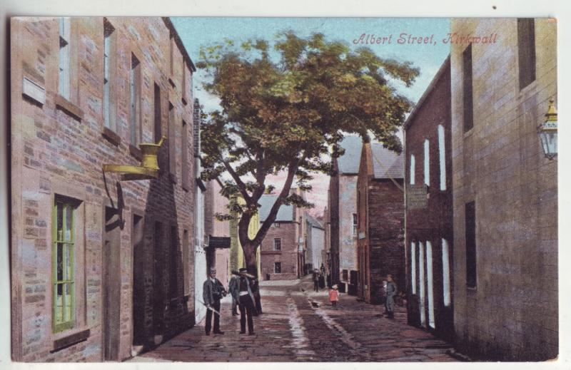 P903 old view card people albert street scene kirkwall scotland