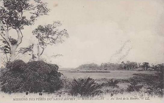 Madagascar Missions Des Peres Du Saint Esprit Au Bord De La Riviere