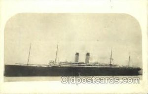 Ship Shps, Ocean Liners, Unused light crease right edge,