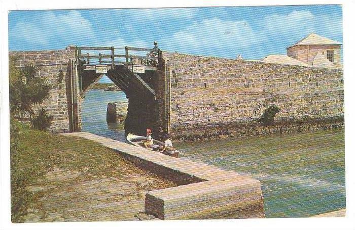 Boat Entering Somerset Bridge, Bermuda, 1940-1960s