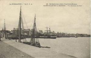 CPA La Normandie De Chatebourg a St-de-la-HOUGUE (152890)