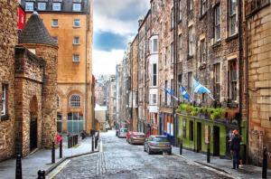 Pack of 10 New Glossy Edinburgh Postcards by Cavalier 92G