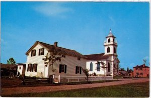 VINTAGE POSTCARDS 2 DIFFERENT VIEWS OF CHRIST CHURCH CORNWALL ONTARIO MINT!