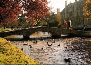 England Bourton On The Water The Cotswolds River Windrush