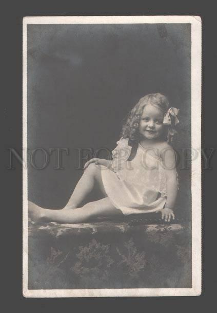 088847 Lovely GIRL w/ LONG HAIR Vintage PHOTO PC