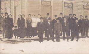 RP: Winter crowd on boardwalk , LUSELAND , Saskatchewan , Canada , 00-10s : W.T.