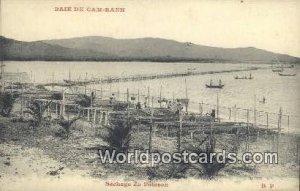 Sechage du Poisson, Baie de Cam-Ranh Baie de Cam-Ranh Vietnam, Viet Nam Writi...