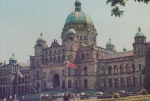 Parliament Bridge Victoria Government Buildings Canada Canadian Postcard