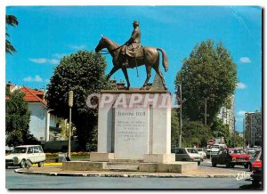 Modern Postcard Tarbes Hautes Pyrenees Statue of Marechal Foch