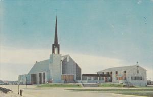 L'eglise Marie Immaculee / Church , SEPT-ILES , Quebec , Canada , PU-1977