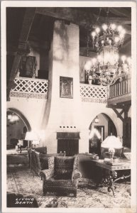 RPPC-Living Room at Scotty's Castle, Death Valley California, Frashers Foto