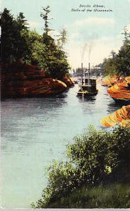 Wisconsin Dells - River Steamer on the Wisconsin