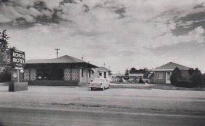 McCOOK , Nebraska, 40-60s; Royal Motel, Classic Car