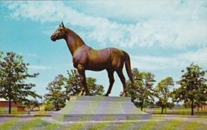 Kentucky Lexington Man O' War Statue At Faraway Farms