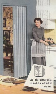 RED BANK , New Jersey , 1955 ; Modernfold Doors by NEWCASTLE