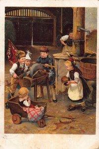 Metier de gagne-petit: remouleur - Le coeur de Margot Children Playing Postcard