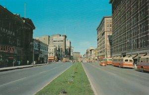 Portage Avenue , WINNIPEG , Manitoba , Canada , 50-70s