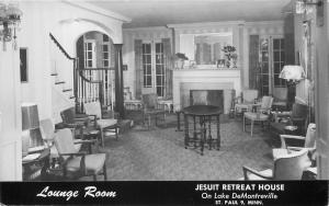 RPPC, ST PAUL, MN Minnesota      LOUNGE ROOM       c1950S Postcard
