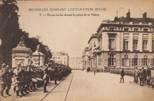 BRUXELLES , Belgium , 1910s; Revue boch devant le palais de la Nation