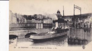 LE TREPORT, Seine Maritime, France; Remoqueur passant les Ecluses, 00-10s