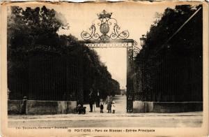 CPA POITIERS - Parc de Blossac (365664)
