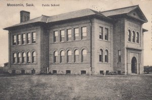 MOOSOMIN , Saskatchewan , CANADA, 1907 ; Public School