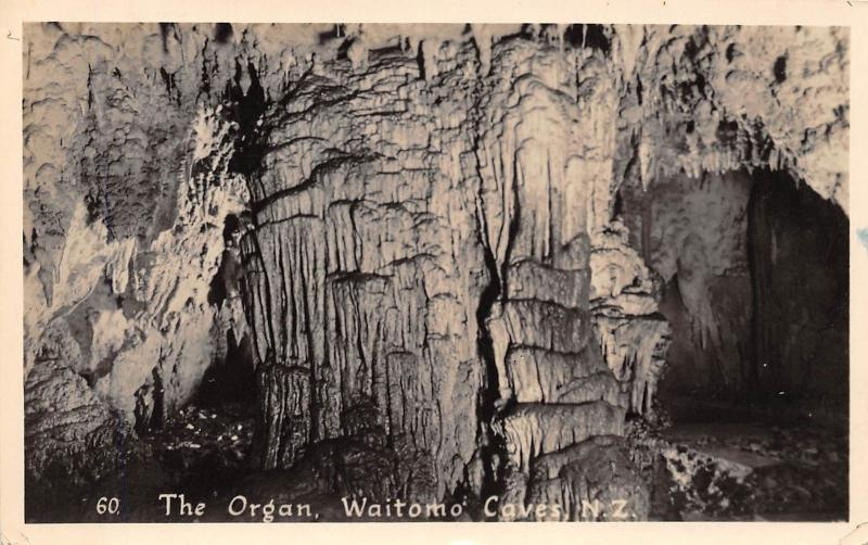 B40/ New Zealand Foreign Real Photo 2 Postcards Waitomo Caves Organ Glow Worms