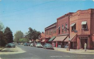 SOUTHERN PINES, North Carolina  NC   BROAD STREET Scene  1953   Postcard