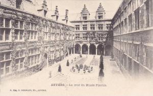 ANVERS, la cour du Musee Plantin, Belgium, 00-10s