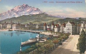 Luzern, Switzerland.sschwannenplatz mit Pilatus  Nice Schwiss PX 1940s