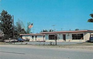 Tavares Florida Pink Motel and Trailer Park Vintage Postcard J73107
