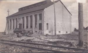 RP: Bldg Alongside Railroad Tracks , CHATAM , Ontario , Canada , 1912