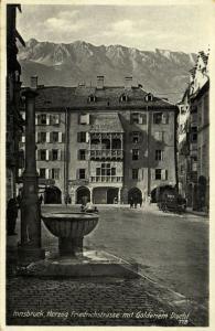 austria, INNSBRUCK, Herzog Friedrichstrasse mit Goldenem Dachl (1934) Postcard