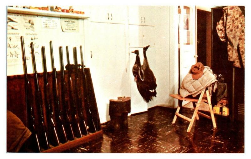 Gun Room at Gooselore Lodge, Mound City, MO Postcard *5F23