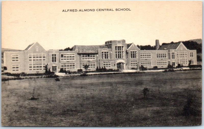 Almond, New York Postcard ALFRED-ALMOND CENTRAL SCHOOL Building View c1940s