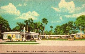 Florida Daytona Beach Sun 'N Sand Hotel Court