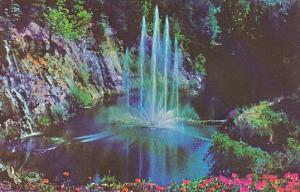 Canada Victoria Fountain Butchart Gardens