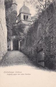 HEIDELBURG , Germany , 00-10s ; Schloss, Aufgang gegen de alten Pavillon