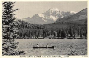 Canada Mount Edith Cavell and lac Beauvert Jasper Lake Boat Postcard