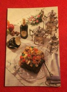 RETRO POSTCARD NEW -  GUINNESS FRUIT CAKE    (KK05)