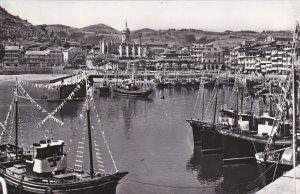 LEQUEITIO , Spain , 30-40s ; Detalle del Puerto