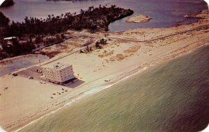 FL - Fort Lauderdale. Holiday Hotel, circa 1950. Newest Beach Hotel