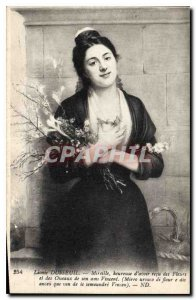 Postcard Old Leonie Dusseuil Museille heureise to have received the flowers a...