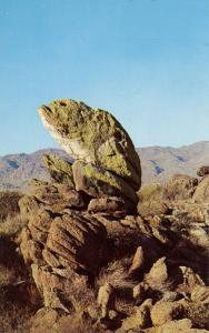 AZ - The Frog Rock Formation between Wickenburg and Yarnell