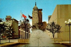 Oklahoma Oklahoma City Downtown With Fountain