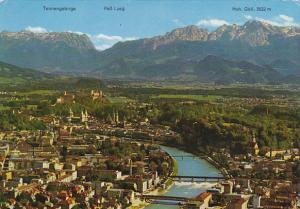 Austria Salzburg Die Festspielstadt mit Salzach