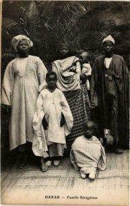 CPA AK Dakar- Famille Sénégalaise, SENEGAL (761702)