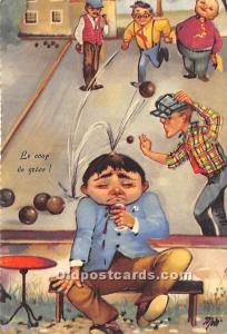 Old Vintage Lawn Bowling Postcard Post Card Le coup de grace Unused