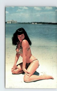 Beauty Uncaged Bettie Page Pin Up Pose Bikini Bunny Yeager Vintage 1950 Postcard