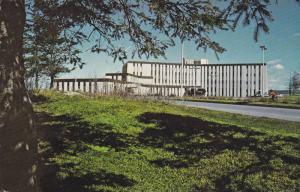 Le 31 mars 1970 s´ouvrait officiellement i´hopital de la Baie des Ha! Ha!, ...